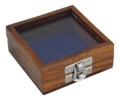 Holzbox mit Glas im Deckel