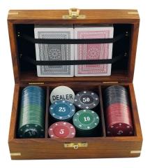 Poker-Spiel in Holzbox